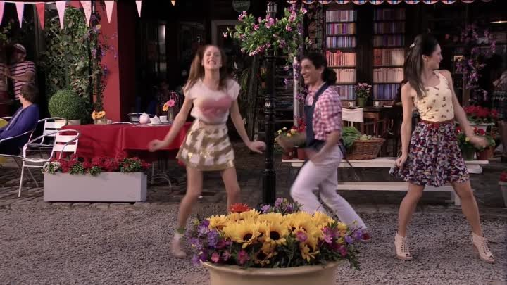 Violetta: Video musical Junto a ti