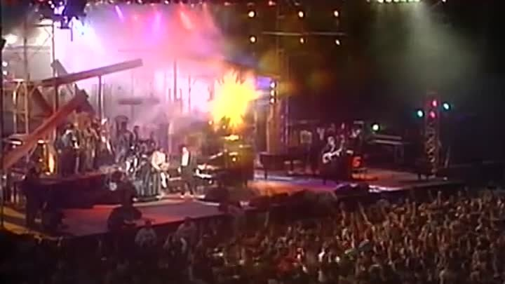 """Jerry Lee Lewis - Whole Lotta Shakin' Going On (From """"Legends of Rock 'n' Roll"""" DVD)"""