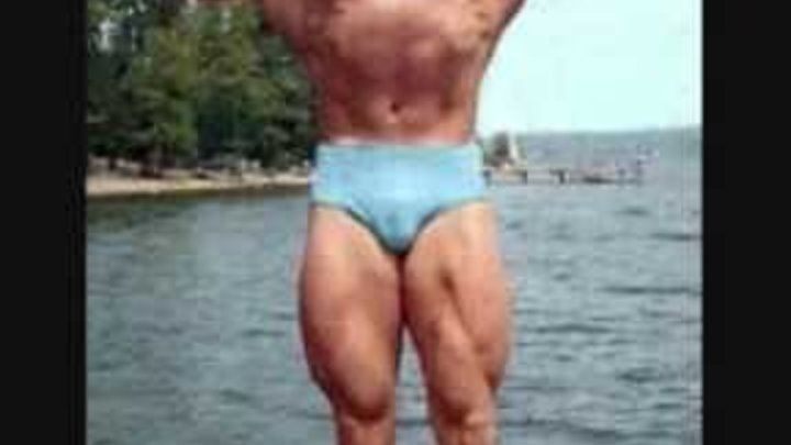 Arnold Schwarzenegger 16-20 years old