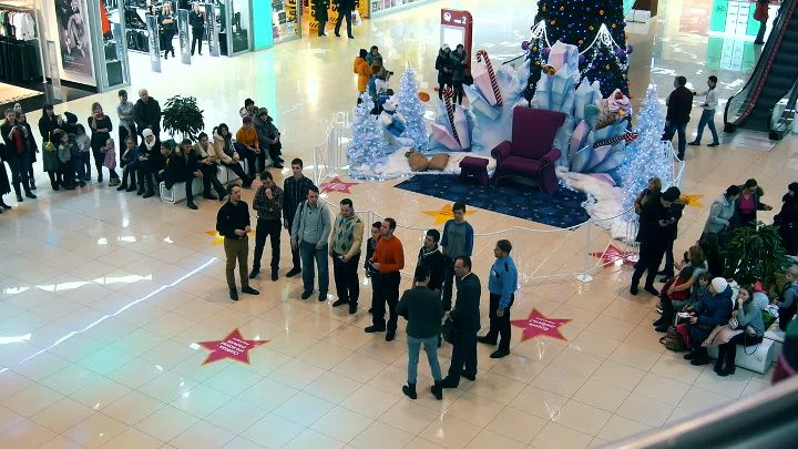 Рождественский перфоманс в ТРЦ Тау Галерея Christmas performance in Tau Gallery mall