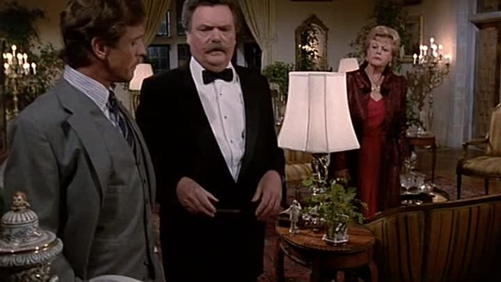 Murder She Wrote 3x04 One White Rose for Death - Белая роза символ смерти