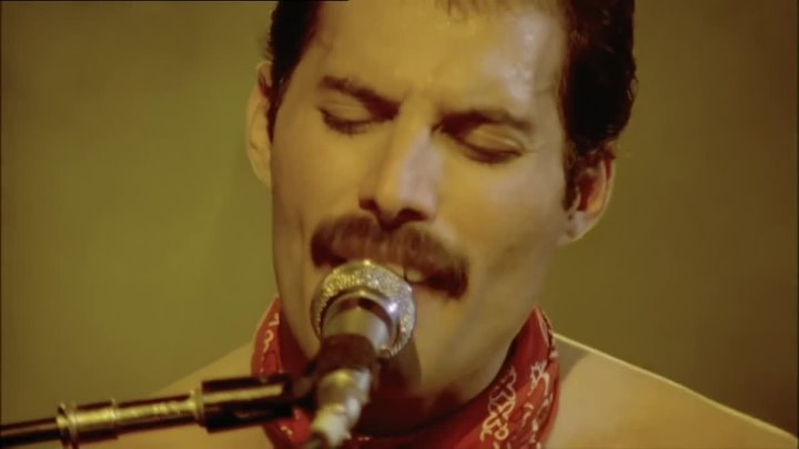 Queen - We Are The Champions. Live.