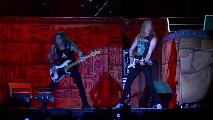 Iron Maiden - The Number Of The Beast (Live In Los Angeles 2008)