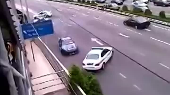Drift - Police chasing Street Racer on highway. Very Funny. jdm cars imports