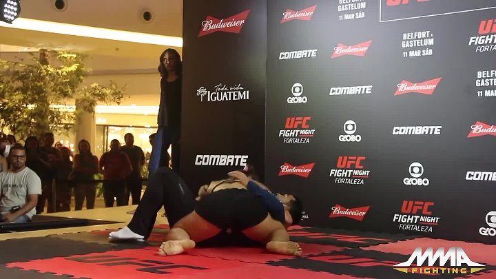 Bethe Correia UFC Fight Night 106 Open Workout