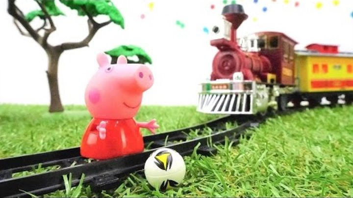 Peppa pig in dangerous 🐷 Train videos & Peppa pig toys. Toy story with toy train 🚂 and kids toys.