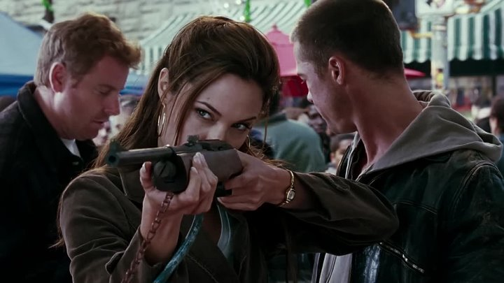 2005-Mr.and.Mrs.Smith.2005.MULTi-VF2.1080p.BluRay.x264-PopHD-www.FilmStreamingV2.com