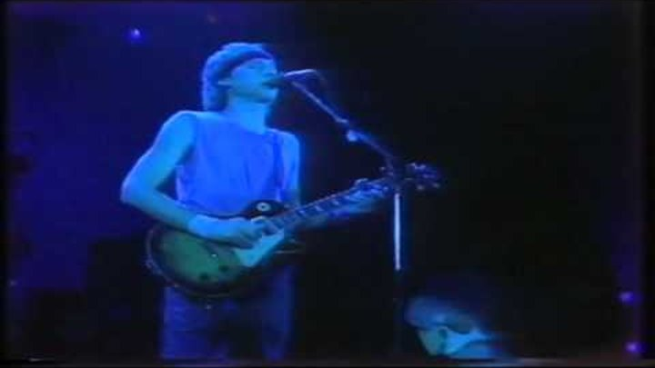 Dire Straits - Brothers In Arms (Official Video)
