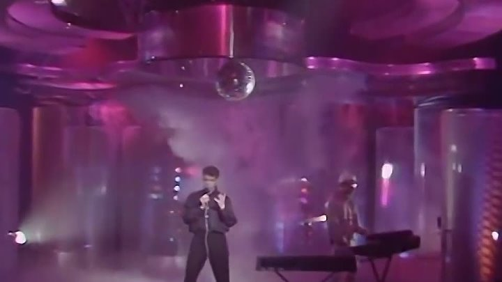 Pet Shop Boys – Love Comes Quickly (20.03.1986, Top Of The Pops)