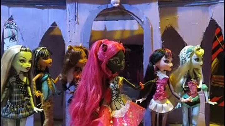Catty Noir We Are Monster High music video