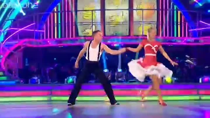 Канал ВИДЕОКЛИПЫ ВЧЕРА: Denise Van Outen & James Jive to 'Tutti Frutti'- Strictly Come Dancing 2012 - Week 2 - BBC One