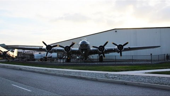 """B-17G Walkthrough Tour """"Piccadilly Lilly II"""" Planes of Fame - Chino CA"""
