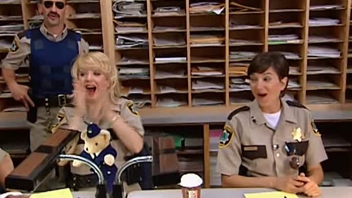 Reno 911 s02e03 - British Law