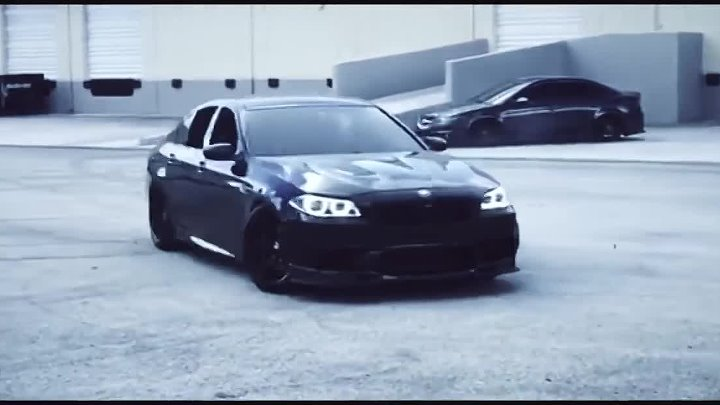 BMW M5 F10 Monster Sounds Donuts