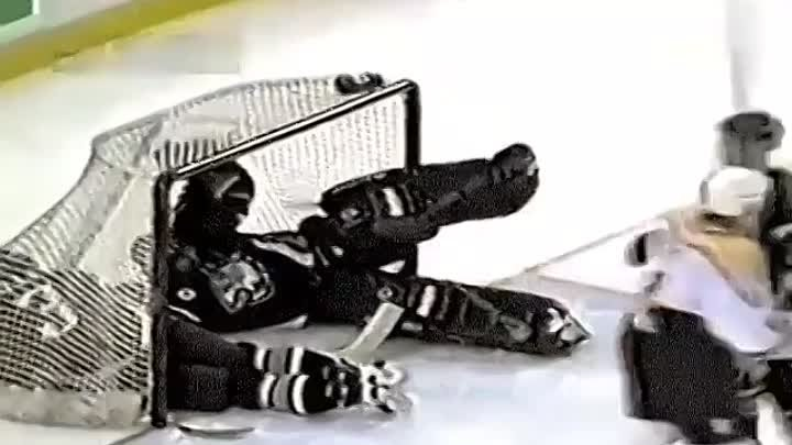 One of the strangest goals you'll ever see. Goalie and defensemen both kick it and it ends up going in...and both of them end up in the net too😅 #HowToGoalie (Video Source: HockeyWebcast)