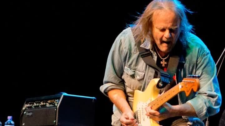 Walter Trout-We're All In This Together (Feat. Joe Bonamassa)