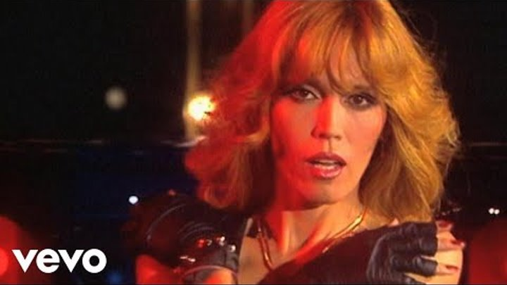 Amanda Lear - The Lady In Black (Starparade 10.11.1977)