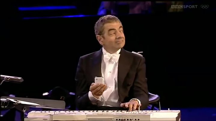 The London Symphony Orchestra with Mr. Bean (Rowan Atkinson) - Chariots of Fire (2012)