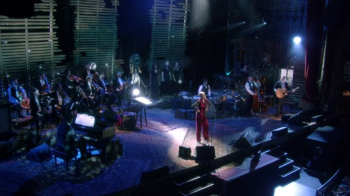 Annie Lennox ★ I Put A Spell On You ; An Evening of Nostalgia with Annie Lennox [2015, Blu-ray]. by zaza.