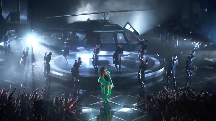 Rihanna Bitch Better Have My Money (Live At The 2015 iHeartRadio Music Awards)