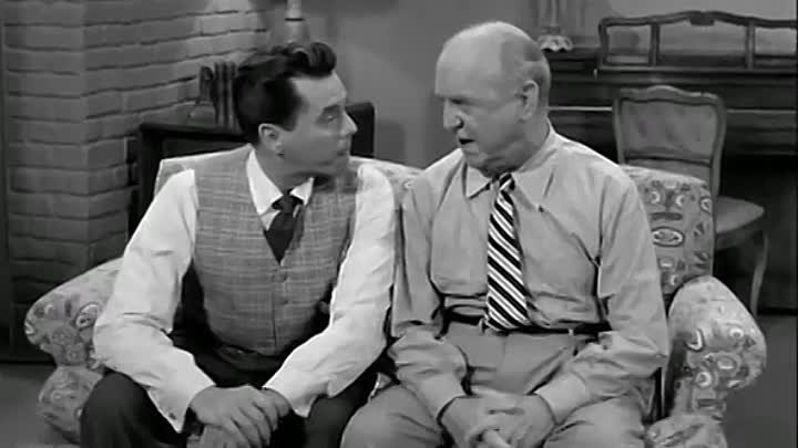 I Love Lucy - S1E01 - The Girls Want to Go to a Nightclub.mp4