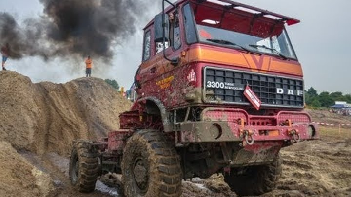 DAF 3300 4x4 TRUCK going offroad and getting stuck!