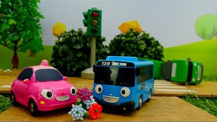 🚌 Tayo the little bus & toy car 🚗 Toy bus & pink car love story. Videos for kids. Автобус Тайо.