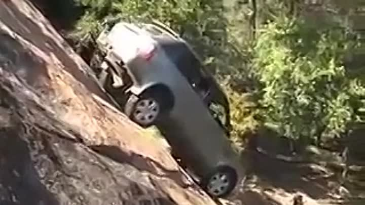 Range Rover Sport + Land Rover Discovery 3 _ LR3 extreme steep climbing - Pro7 Galileo Fake Check