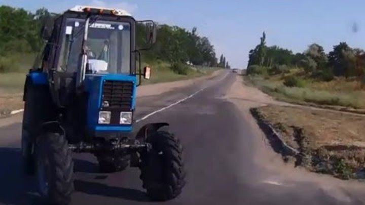 Тракторы на дорогах/ Russian Tractors Hit The Road