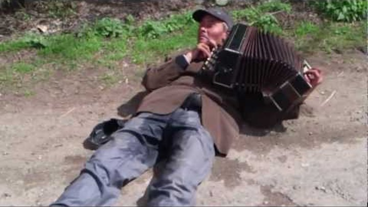 Russian Accordionist Pissing In His Pants