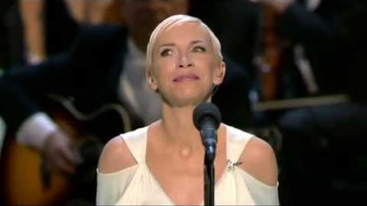 Oscar 2004 = Into the West by Annie Lennox
