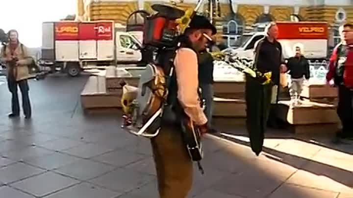Amazing One-Man-Band Street Performer in Croatia (Cigo Man Band)