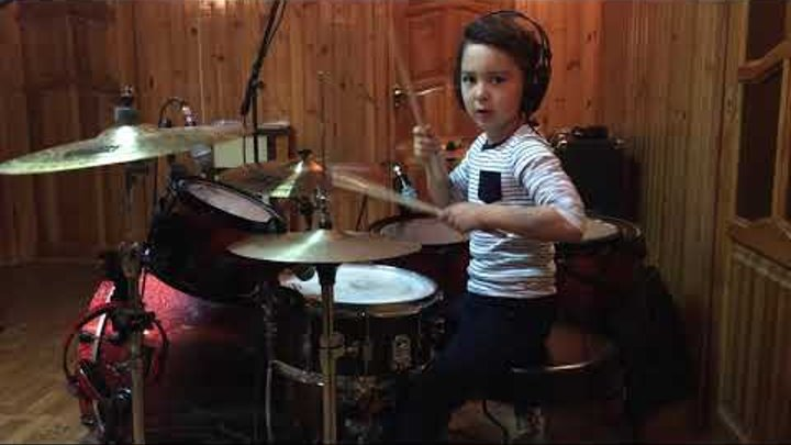 21 Pilots - Stressed Out Drum Cover (8 years old)