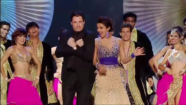 Watch Priyanka Chopra's mind blowing performance with John Travolta at IIFA Awar