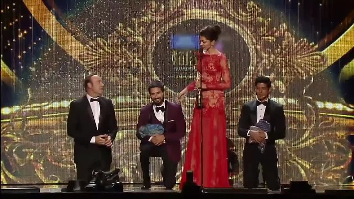 IIFA Awards 2014- Lungi dance with Kevin Spacey