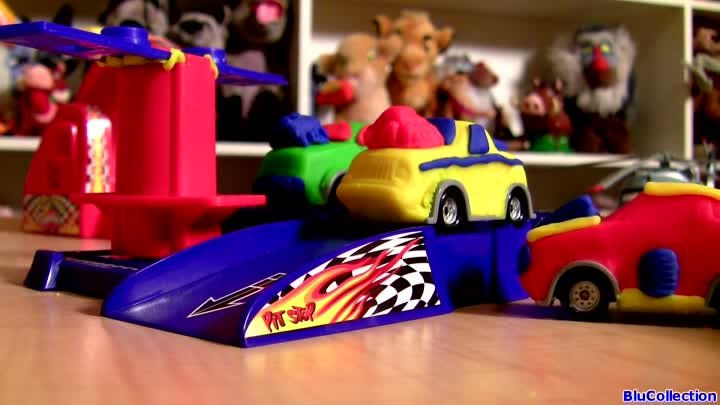 Play Doh Hot Wheels Mold n Launch Cars onto Race Track With Launcher Hasbro Playdough toy review