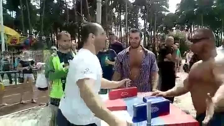 Да ты вообще не сильный - Yes, you're not strong at all