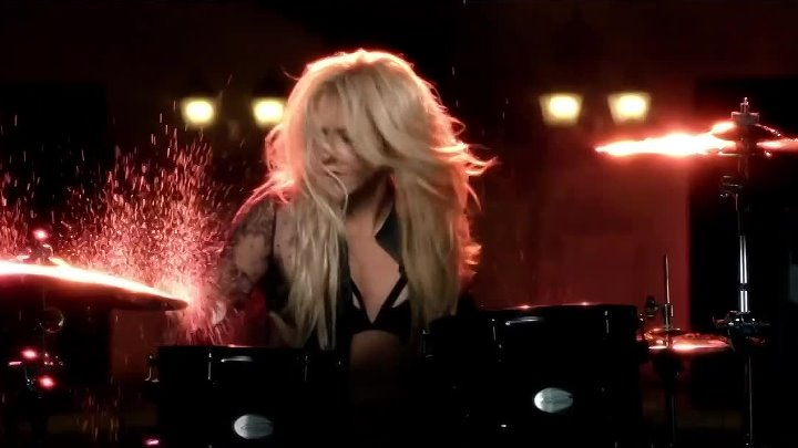 Shakira feat. Rihanna - Can't Remember to Forget You (Official Video).mp4