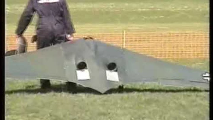 LARGE SCALE - HORTEN WING 229 + CONCORD + ME 262 AT ROUGHAM RC PLANES - 2006