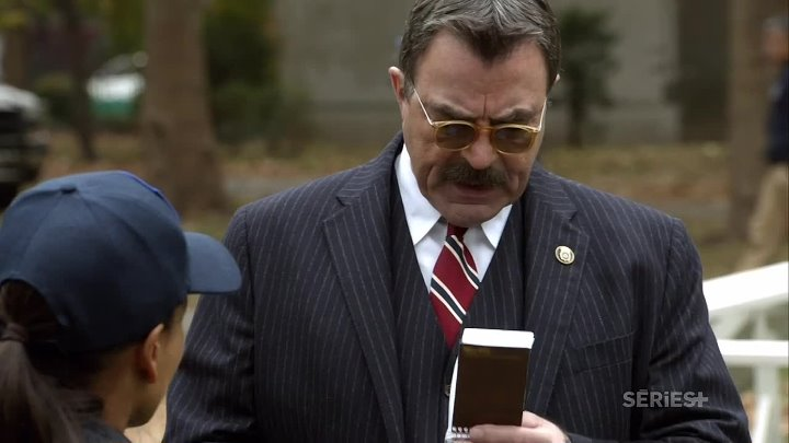 [.VoirFilms.org]-Blue.Bloods.S04E09.FRENCH.720p.HDTV.x264-BAWLS.