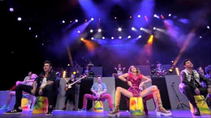 Violetta backstage pass -- On Beat - Music Video