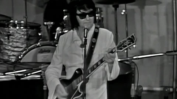 Roy Orbison - Bridge Over Troubled Water (Live from Australia 1972)