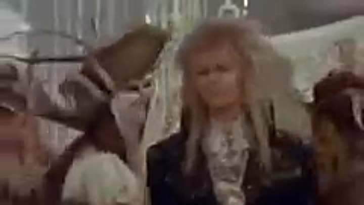 Labyrinth - As The World Falls Down (David Bowie & Jennifer Connelly)_xvid