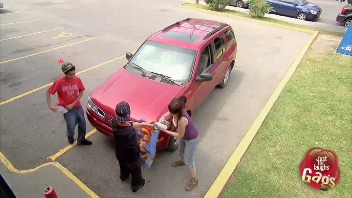 Kids Paint On Graffiti Car...Then Ask For Directions