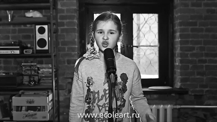 Masha Panyukova - Wrecking Ball (7 years. Russia. Cover Miley Cyrus) - www.ecoleart.ru_1