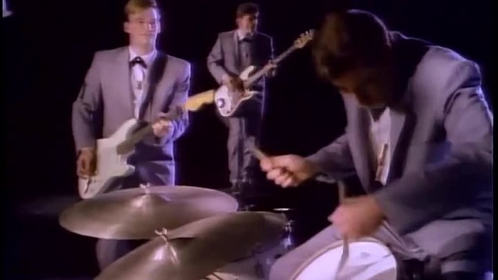 Chris Isaak - You Owe Me Some Kind Of Love HQ