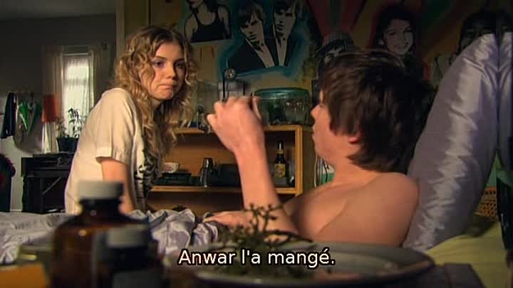 [WwW.VoirFilms.co]-Skins.S02E09.VOSTFR.DVDRip.XviD