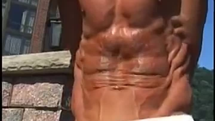 PAV's Ripped Abs: Performing the Ultimate Ab Vacuum & Roll