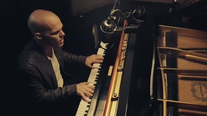 "David Guetta – ""Dangerous"" (Sam Martin Acoustic Piano Version)"