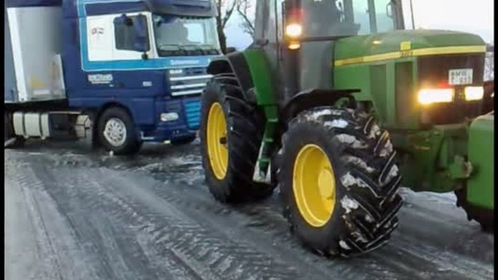 *Archiv* John Deere to the rescue